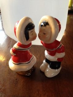 Vintage Napco Pair of Eskimo Kissing Boy and Girl Salt and Pepper Shakers Cute | eBay