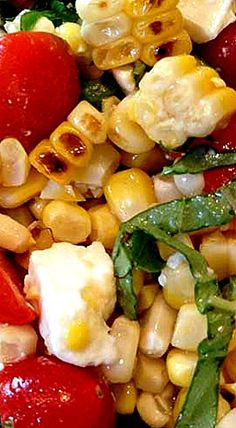 Grilled Corn, Basil & Tomato Salad is the perfect go-to side dish for all your summer entertaining or your family dinner. ❊