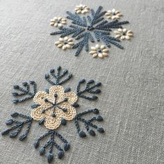 Marvelous Crewel Embroidery Long Short Soft Shading In Colors Ideas. Enchanting Crewel Embroidery Long Short Soft Shading In Colors Ideas. Hand Embroidery Stitches, Crewel Embroidery, Embroidery Hoop Art, Hand Embroidery Designs, Embroidery Techniques, Ribbon Embroidery, Cross Stitch Embroidery, Snowflake Embroidery, Embroidery Ideas