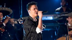 Check out Prince Royce's videos on Walmart Acceso Total for a chance to score artist swag and more on #AmpedUpRewards! #prizes #rewards #wmaccesototal
