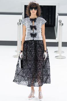 Chanel Spring 2016 Ready-to-Wear Fashion Show - Mica Arganaraz