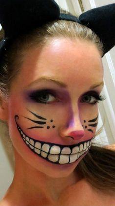 Cheshire Cat Halloween make up! Cheshire Cat Halloween make up! Looks Halloween, Halloween Party, Halloween Face Makeup, Creepy Halloween, Halloween 2013, Creepy Cat, Halloween Inspo, Halloween Hair, Halloween Pictures