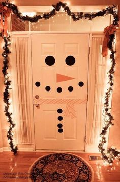 So cute! My front door has a big oval window, but I could do it on the kids bathroom door or bedroom doors and decorate the snowman differently:)