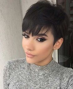 long pixie hairstyles Short & Slicked Style If you already have a pixie cut and need inspiration on how to style it, take a look at this. Pixie Cut With Long Bangs, Longer Pixie Haircut, Short Pixie Haircuts, Haircuts With Bangs, Hairstyles With Bangs, Short Hair Cuts, Pixie Cut Bangs, Pixie Cut Hairstyles, Undercut Pixie
