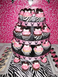 minnie mouse cupecake tower, super cute and yummy looking!!