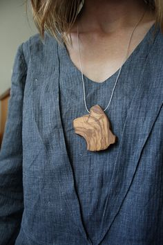 Olive wood slice necklace by alchemybotanicals on Etsy