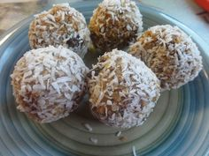 Homemade Protien balls:) Almond Butter, oats, cinnamon, raisins, chia seeds, scoop of protien Powder, shredded coconut and a little water;)