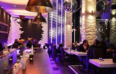Glamourös feiern in #München Die #Stiglerie in München hat es zu Recht zur #Location der Woche geschafft! Das Design der Location ist bis ins kleinste Detail abgestimmt und sorgt mit der perfekten Beleuchtung für eine wunderbar glamouröse Atmosphäre. Mit erstklassischen Cocktails und einer Vielzahl an kulinarischen Möglichkeiten aus der mediterranen Küche werden Events hier zum vollen Erfolg. Finde mehr herraus über diese Eventlocation mit Klasse. #cityguide #munich #foodie