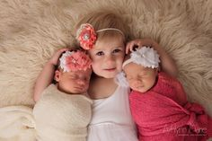 Newborn Twins, Twins, twin girls, newborn photos, newborn photography, orange county newborn photography, www.ocnewborns.com, ashlynn marie photography, newborn with sibling, sibling love, siblings