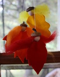 Twig and Toadstool: Leaf Spirits! What a adorable arts & crafts idea! Autumn Crafts, Nature Crafts, Holiday Crafts, Holiday Decor, Autumn Decorations, Felt Crafts, Diy Crafts, Image Deco, Crafts For Kids