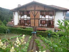 Restaurante ANDRA MARI. Barrio Elexalde, 22. GALDAKAO (BIZKAIA) Tel. (34) 94 456 00 05 www.andra-mari.com