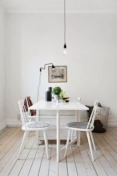 Home Decor / Dining Table Deco House, Black And White Furniture, Sweet Home, Black Fireplace, Dream Decor, Scandinavian Interior, Kitchen Interior, Room Interior, Interiores Design