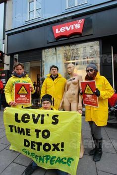 Activists in Vienna telling that Levi's Time to Detox has come!
