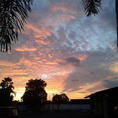 "14 Likes, 1 Comments - Azwar Kharizma (@azwarkharizma) on Instagram: ""Sunset di halaman belakang rumah nenek"""