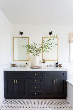black / white bathroom inspiration
