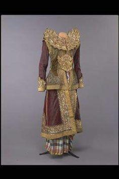 သ၀ဏ္လႊာ: View of History - 2 Court Dresses, Royal Dresses, Myanmar Traditional Dress, Traditional Dresses, Burma Myanmar, Thai Dress, Country Outfits, Costume Dress, Culture