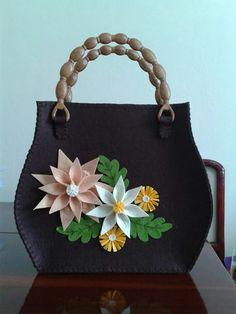 Fabric Purses, Fabric Bags, Patchwork Bags, Quilted Bag, Handmade Handbags, Handmade Bags, Felt Purse, Diy Tote Bag, Felt Applique