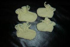 3228593542_c9c730d1e9_n...Baby booties.. Free pattern!