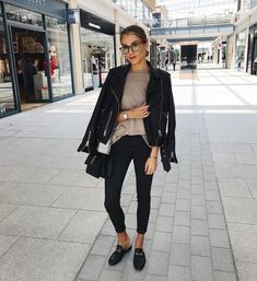 Hope you all had a fab bank holiday Wearing my favourite Cathy Luse watch cluse ad Women Fashion Edgy Fall Outfits, Chic Outfits, Winter Outfits, Fashion Outfits, Womens Fashion, Fashion 2017, Fashion Ideas, Vetement Fashion, Looks Black