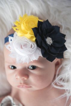 Baby girl flower headband - La Bella Rose Boutique. Hair bow for baby girl, newborn pictures outfit, baby girl clothes, shabby chic headband, flower girl hairstyle.