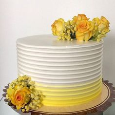 Cake Decorating Techniques, Cake Decorating Tips, Pretty Cakes, Beautiful Cakes, Whipped Cream Cakes, 50th Wedding Anniversary Cakes, Sunflower Cakes, Spring Cake, Decadent Cakes