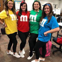 M&ms Halloween Costume, M&m Costume, Matching Halloween Costumes, Best Friend Halloween Costumes, Halloween Cards, Halloween Ideas, Happy Halloween, Truck Or Treat, Nursing Books