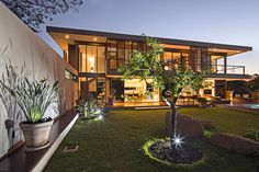 Contemporary dream home in South Africa: Aloe Ridge House