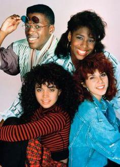Campus Shown une de mes série préférées si ce n'est ma série préférée...j'adore l'actrice Lisa Bonet..........