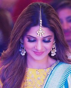 Let me light up this TL a bit Sheer beauty Stylish Girls Photos, Stylish Girl Pic, Beautiful Bollywood Actress, Beautiful Indian Actress, Jennifer Winget Beyhadh, Stylish Dpz, Jennifer Love, Cute Girl Face, Beautiful Girl Photo