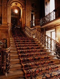 Legendary Staircase, Chatsworth Home, Derbyshire, England Picture through earlgrey English Country Manor, English Style, Painted Staircases, Chatsworth House, Grand Staircase, House Staircase, Stairway To Heaven, Derbyshire, Stairways