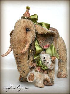 Vintage Teddy Bears, Vintage Toys, Elephant Illustration, Teddy Toys, Cute Stuffed Animals, Elephant Love, Soft Sculpture, Old Toys, Fabric Art