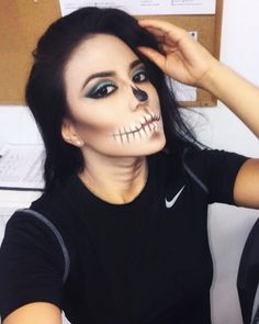 50 Pretty Halloween Makeup Ideas You'll Love | Halloween 2016 beauty looks for women | skull