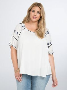 Plus Size Floral Embroidered Scoop Top, BRIGHT WHITE