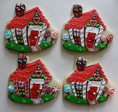 Haley Cakes and Cookies - Gingerbread house sugar cookie Fancy Cookies, Iced Cookies, Cute Cookies, Cookies Et Biscuits, Cupcake Cookies, Iced Biscuits, Christmas Sugar Cookies, Holiday Cookies, Gingerbread Decorations