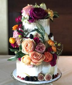 40th Cake, Classic Cake, Wedding Cake Inspiration, Invitation Paper, Beautiful Wedding Cakes, Fresh Fruit, Bloom, Baking, Instagram Posts