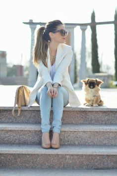 Pastel Oufit – Love the white blazer, pastel pants, and purse. #savvystyle