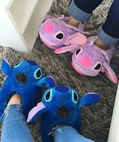 This image has 4 repetitions. Author: Anna☄ ¸ . Disney Stitch, Lilo Et Stitch, Peluche Stitch, Disney Outfits, Cute Outfits, Stitch And Angel, Disney Magic Bands, Cute Stitch, Cute Sleepwear
