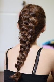 Of all the types of braids and hairstyles, there is one that quite stands out. The Dutch braid is literally the inverse of a French braid. Travel Hairstyles, Messy Hairstyles, Pretty Hairstyles, Twisted Hair, Pretty Braids, Hippie Hair, Beautiful Long Hair, Hair Dos, Hair Trends