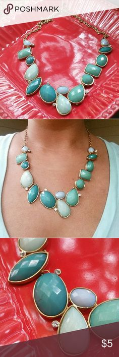 Aqua blue/green costume necklace Aqua blue/green costume necklace. Beautiful colors on any skin tone. Looks great with a maxi dress or to brighten up a casual outfit. (Slight cracking pictured in one of the beads considered in the pricing) Jewelry Necklaces
