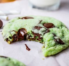 Mint Chocolate Chip Cookies - The Food Charlatan