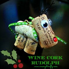 Malone we need to get working on this. How cute is this wine cork reindeer ornament! Cozy Christmas, All Things Christmas, Christmas Holidays, Wine Cork Projects, Wine Cork Crafts, Holiday Crafts, Holiday Fun, Xmas Decorations, Crafty