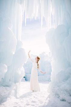 Frozen Wedding Ideas at the Ice Castles in Midway, Utah designed by Lindsey Shores and photographed by Meredith Carlson Photography. Frozen Wedding Dress, Frozen Wedding Theme, Disney Inspired Wedding, Wedding Themes, Wedding Dresses, Wedding Ideas, Frozen Theme, Trendy Wedding, Rose Wedding