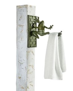 H7PM5 MacKenzie-Childs Frog Plant Hanger