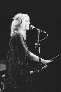 Christine McVie of Fleetwood Mac Music Film, My Music, Christine Perfect, Buckingham Nicks, Stevie Nicks Fleetwood Mac, Women Of Rock, Piano Player, Women In Music, Badass Women