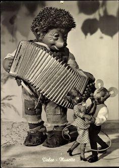 """mecki 12  Mecki-Postkarte """"Valse - Musette"""": Mecki, bekannt aus dem Film der Diehl Brüder, mit Akkordeon und tanzenden Mäusen"""