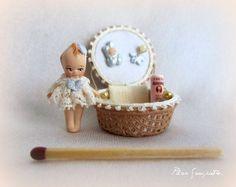 Miniatures, Pee Wee Doll   http://www.crinolina.net