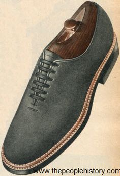 1952 Fashion Accessories Part of Our Fifties Fashions Section 50s Shoes, Dress Shoes, Rockabilly Outfits, Rockabilly Clothing, Shoe Sites, Fifties Fashion, Blue Suede Shoes, Sneaker Brands, Hats For Women