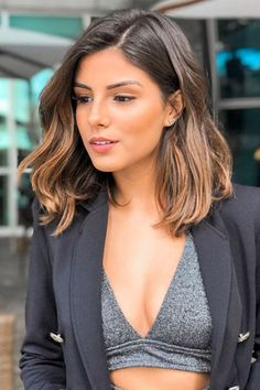 Mid Length Mixed Color Natural Straight Synthetic Hair Lace Front Wigs 18 Inches Source by pommemn Short Straight Hair, Short Hair Cuts, Straight Hairstyles, Mid Length Hairstyles, Medium Brunette Hairstyles, Brown Hairstyles, Long To Short Hair, Short Brown Hair, Layered Hairstyles