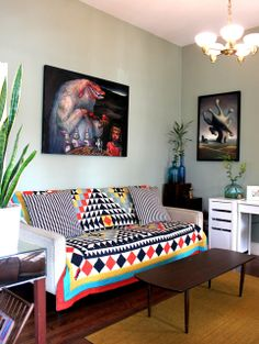 Pair attention grabbing art with attention grabbing patterns. via #ApartmentTherapy http://gallery.apartmenttherapy.com/photo/sarah-and-fred-in-berkeley/item/394661