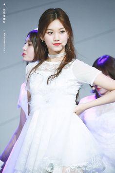 South Korean Girls, Korean Girl Groups, Doll Style, Style Lolita, Kim Chungha, Korean Fashion Kpop, Fandom, Korean Actresses, Korean Celebrities